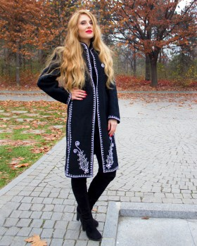 EMBROIDERED WOOL COAT - White Flowers