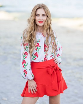 BOHEMIAN HANDMADE EMBROIDERED BLOUSE - Red Carnations