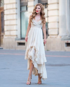 High-low flared beige cotton dress with laced bodice and ruffles