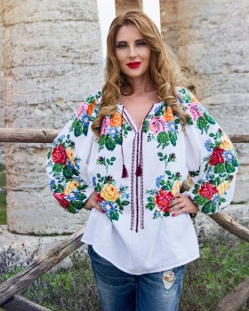 ETHNIC BLOUSE with handmade embroidery - Rose Bouquets