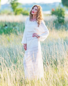 BOHEMIAN HAND EMBROIDERED BRIDAL GOWN - Sandy silk and lace